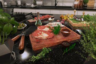 مدل سه بعدی غذا نان گوشت سبزی پیاز ماءالشعیر پسته فندق بادام گردو جوجه قهوه